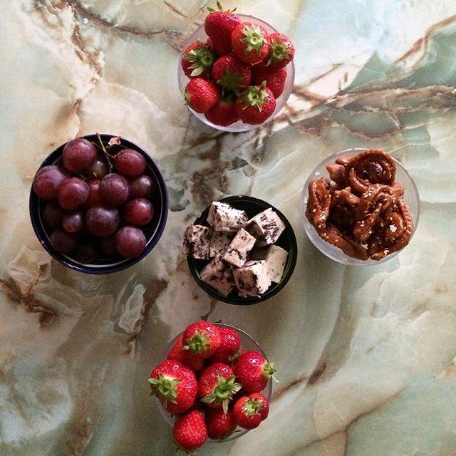 Waiting for iftar #iftar #chebakia #grapes #strawberries #oreo #fudge