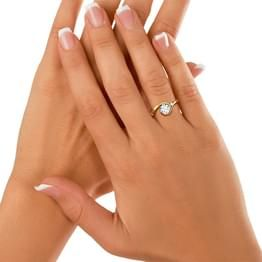 Solitaire Rings: Buy Solitaire Rings Online for Best Prices in India | Latest Solitaire Rings Designs 2016 - CaratLane.com