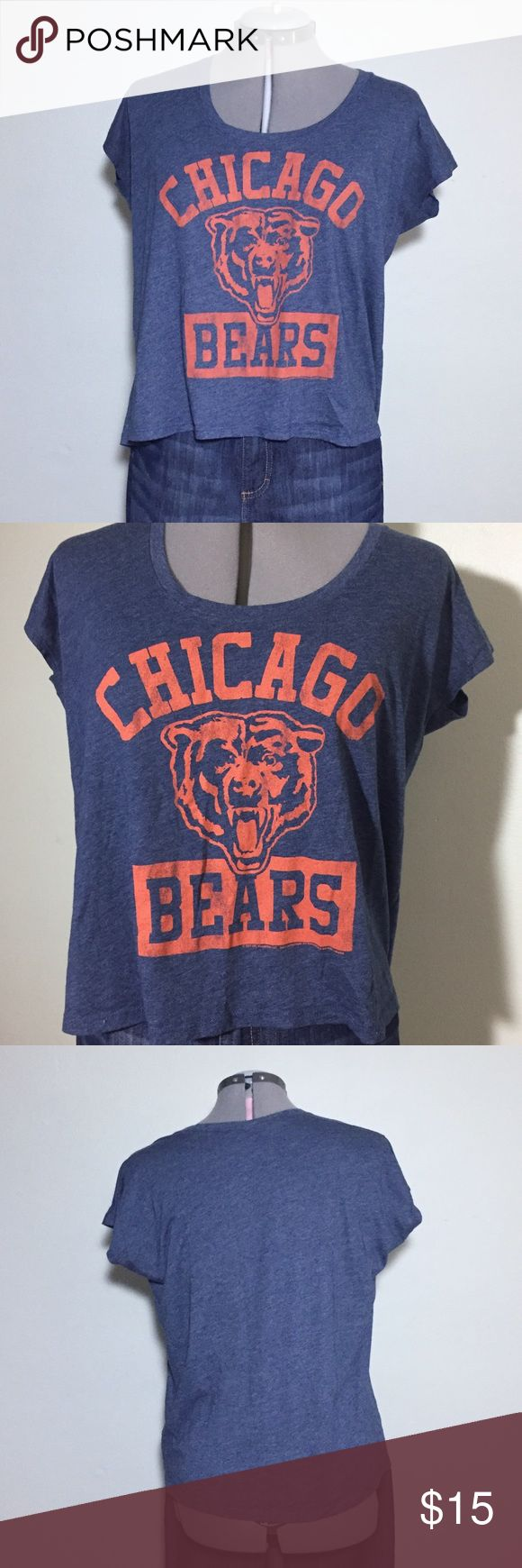 "Chicago Bears NFL Team Apparel Boxy Fit Crop Tee Chicago Bears NFL Team Apparel Boxy Fit Crop T-Shirt Tee. Size S measures flat: 22"" across, 22"" long. 50% cotton, 50% polyester. 704/100/070517 NFL Team Apparel Tops Tees - Short Sleeve"
