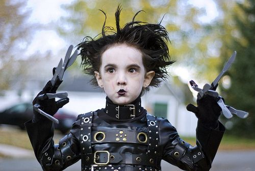 Would not be suprised if my future kid dressed up as this for halloween. Edward Scissor Hands= one of my favorite movies! lol