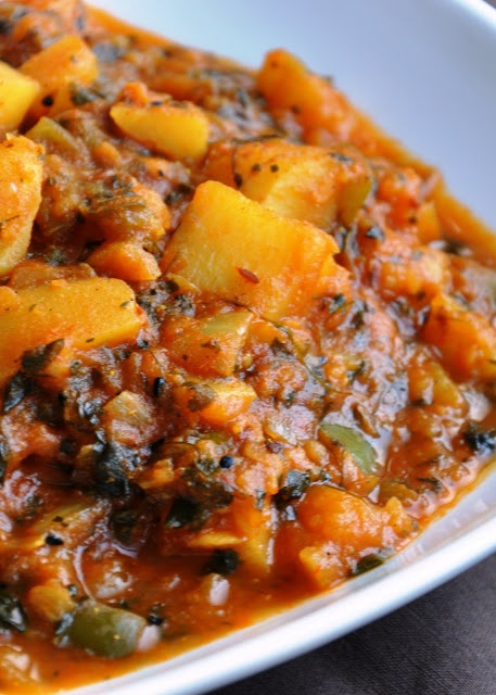Aloo Shimla Mirch Aur Tamatar Ki Subzi (Potatoes & Green Pepper cooked in a Tomato Fenugreek Gravy) - Gluten Free, Vegan