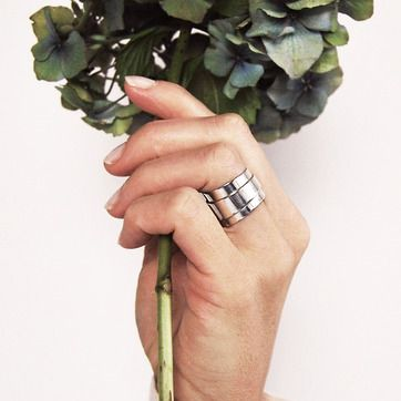 1. MILA ONE PIECE ring