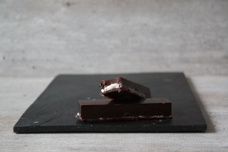 Ik had vandaag onwijze trek in chocolade en heb een aantal superleuke vormpjes in de webshop die perfect zijn voor deze craving! Uiteindelijk heb ik gekozen voor de candybars!: (klik)…