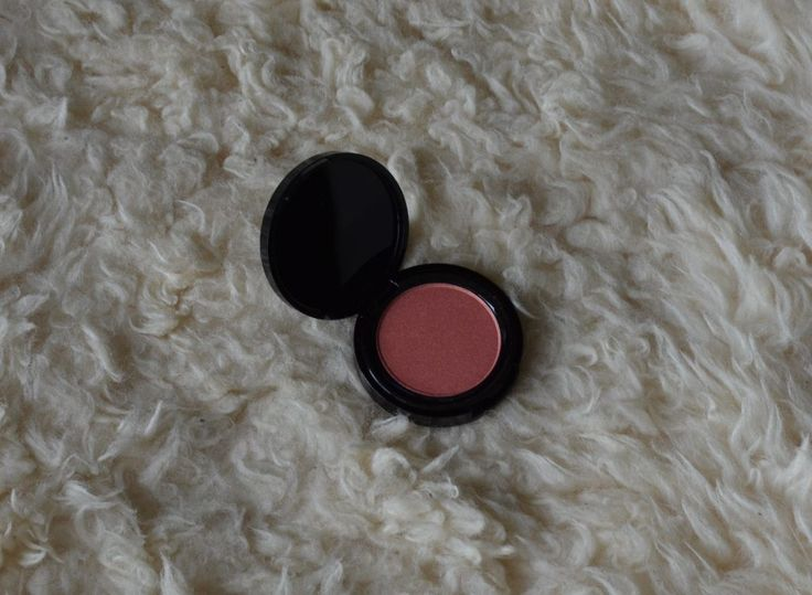 Blush cheek powder, in the colour Peach Bellini, from Modelco, from the June 2017 Goodiebox