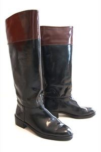 UsedNotConfused — Black leather Boots www.usednotconfused.com