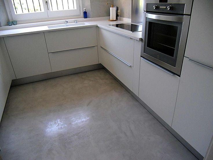 Microcemento una reforma sin obras en cocina suelo for Suelo cocina gris antracita