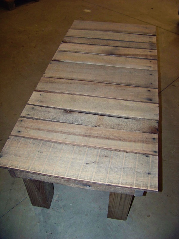 LuluBelle's Couture: Reclaimed Wood - Pallet to Bench