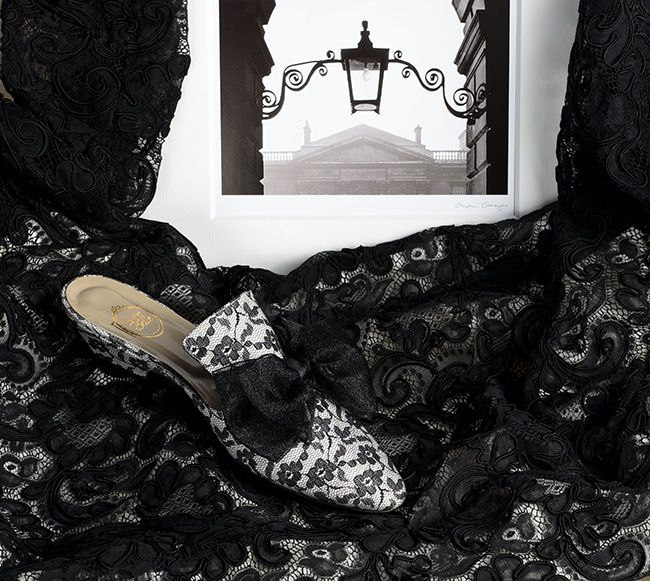 Un Vol de Dentelle - black lace on cream satin - black organza bow http://store.leschaussonsdelabelle.com
