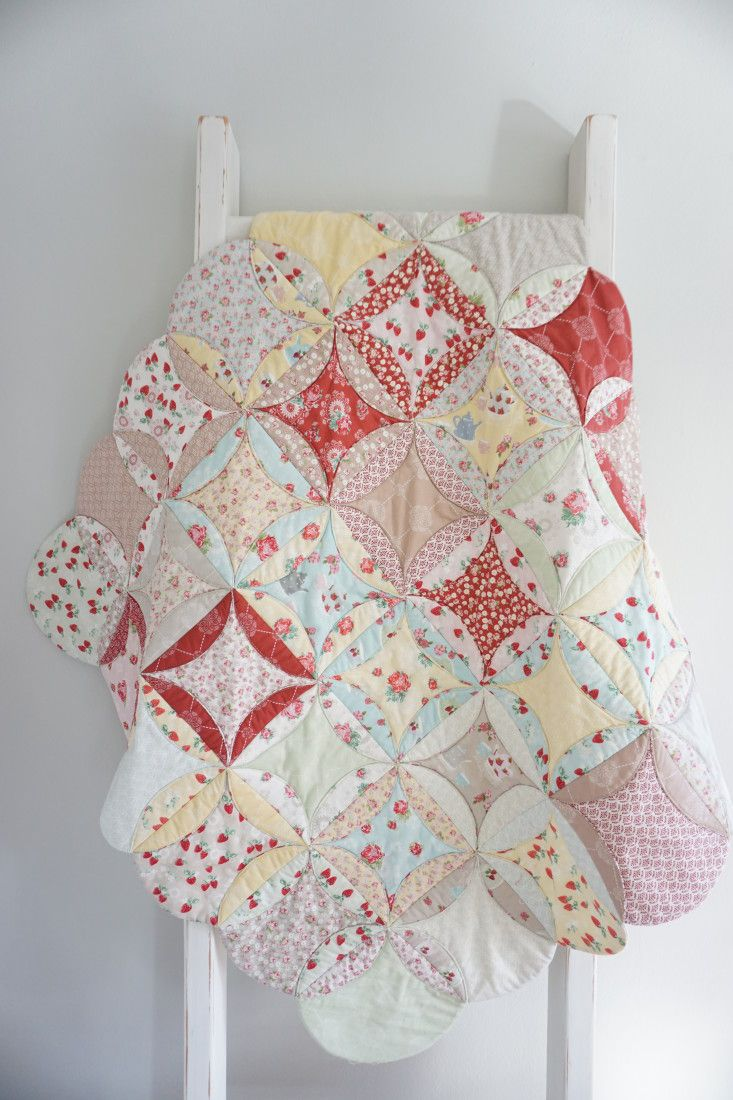 Simple Cathedral Window by Quilting in the Rain - no binding needed!