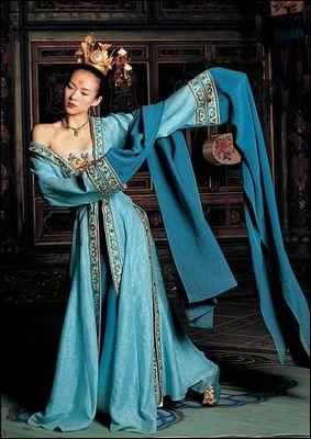 « Le secret des poignards volants », Xiao Mei, robe de danse, Pavillon des fleurs (maison close) Costume Design : Emi Wada