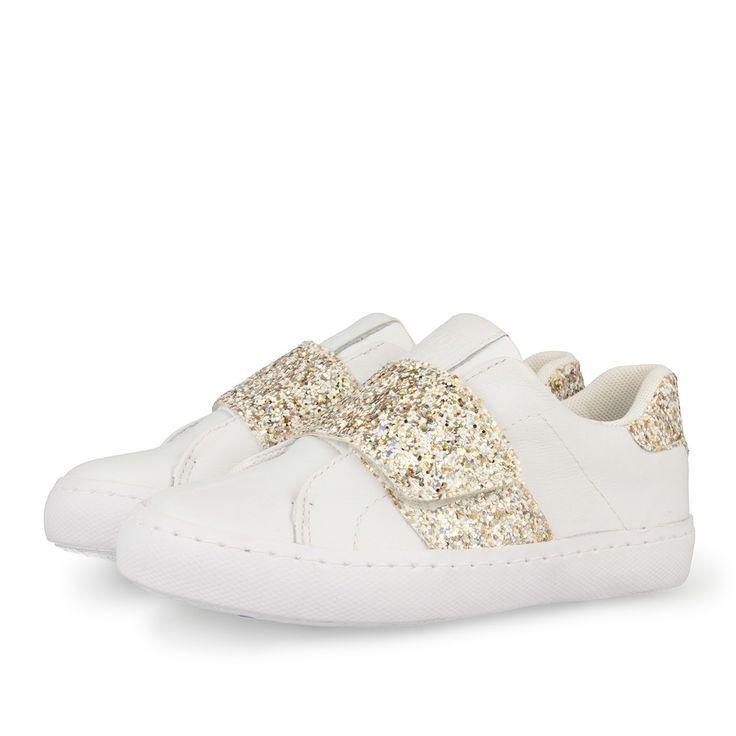 Zapatillas deportivas de niña en blanco y oro. Cierre con velcro en oro efecto…