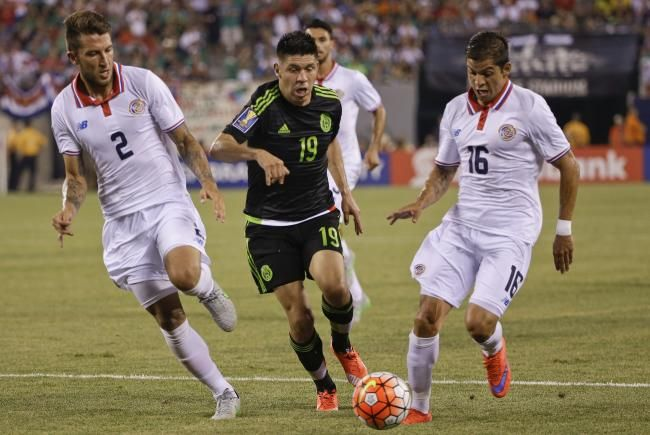 Mexico moves on after controversial penalty | CONCACAF Gold Cup 2015: Sunday's Day 13 Takeaways | Bleacher Report