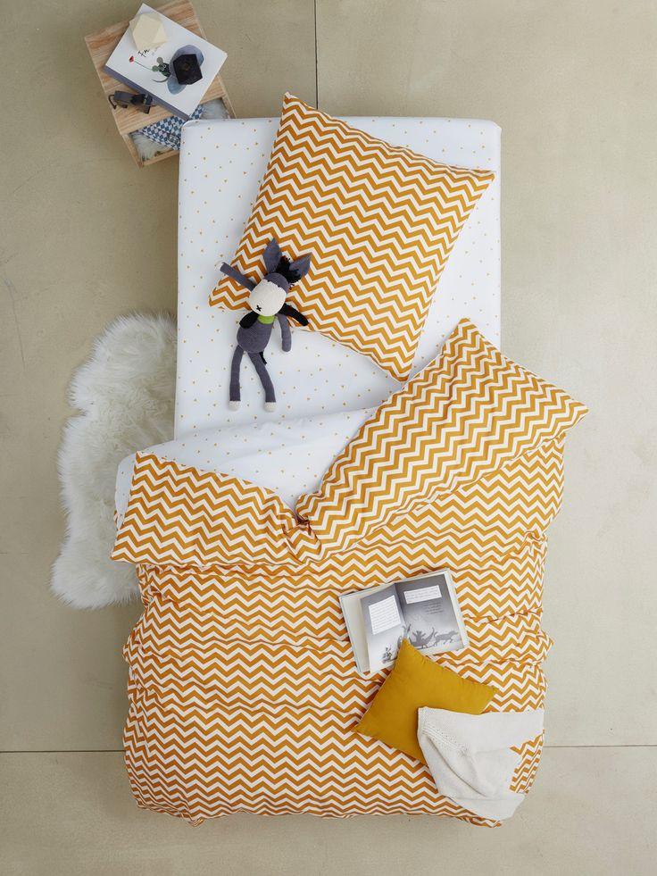 Set van dekbedovertrek + kussensloop met visgraatmotief/driehoekjes voor kinderbed - geel/wit, Meubels en beddengoed