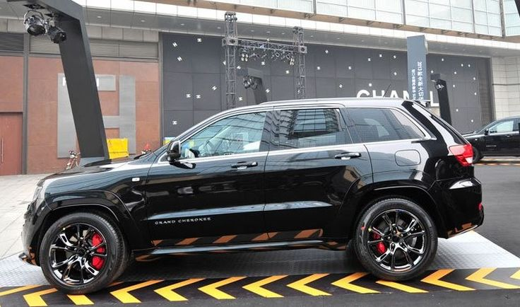 Chrysler Launches Jeep Grand Cherokee SRT8 Black Edition in China - autoevolution for Mobile