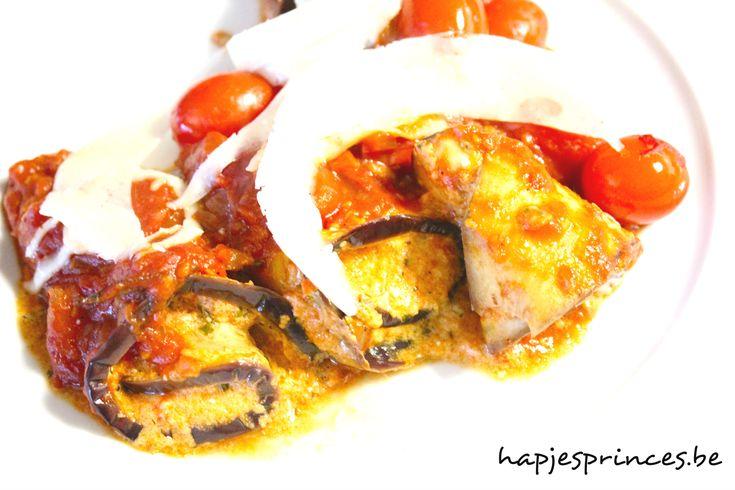Aubergine-geitenkaasrolletjes met kerstomatensaus. Pure keuken. Gezond eten. Blog met gezonde recepten.