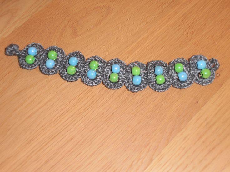 armband van gerecyclede lipjes van blikjes