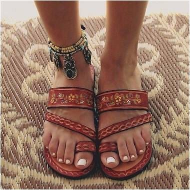Leather Hand Painted Mexican Sandals  FREE SHIPPING by AMANTOLLIdotcom on Etsy https://www.etsy.com/listing/229691227/leather-hand-painted-mexican-sandals
