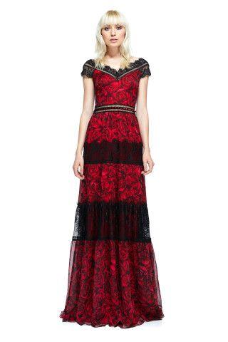 Ist ein rotes kleid zu einer hochzeit anziehen