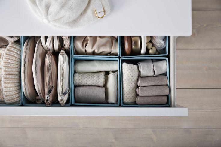 SKUBB bakjes voor het ordenen van je ondergoed en accessiores | IKEA IKEAnederland IKEAnl wooninspiratie inspiratie kast slaapkamer ladekast laden lades opbergen geordend handig bakjes bakken verdeler