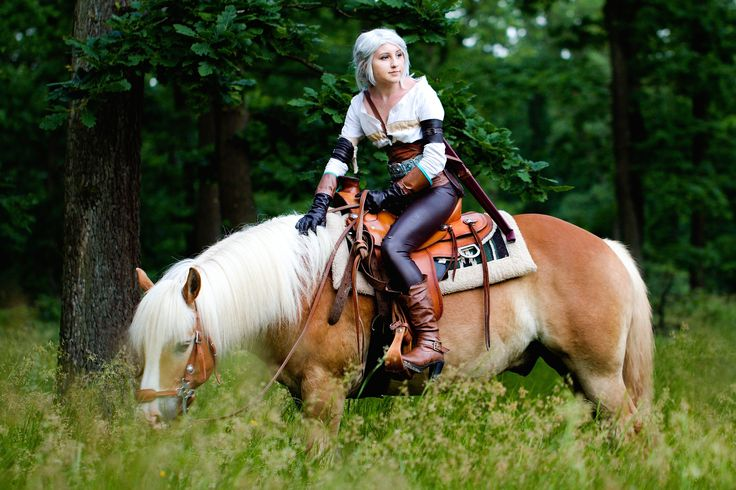Ciri and her horse from The Witcher 3 Wild Hunt - cosplay Cosplayer - Juriet Cosplay Photographer - Hussie Art