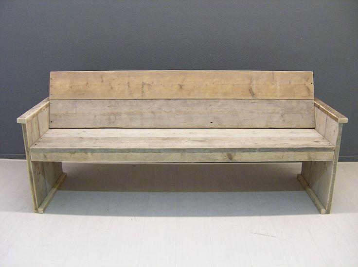 Bank met schuine rugleuning van gebruikt/oud steigerhout (Jorg)