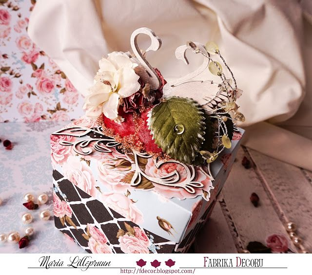 Romantic exploding box as a wedding gift by Maria Lillepruun