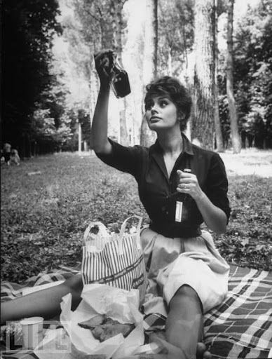 Italian Vintage Photographs ~ #Italy #Italian #vintage #photographs ~ Sophia Loren by Alfred Eisenstaedt  Italy, July 1961.