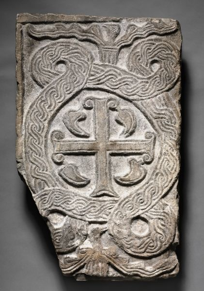 8-9th c. marble Lombardic transenna panel with a cross (27 3/4 x 17 1/2 in., 174 lbs.) - Cleveland Museum of Art 1920.757