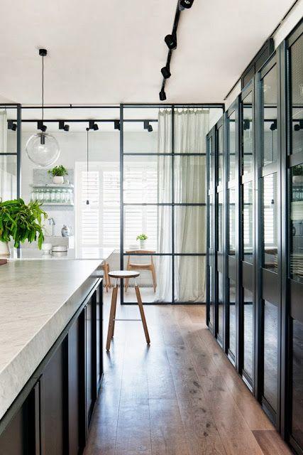 marmor, carrara, svart kök, glasvägg glas järn