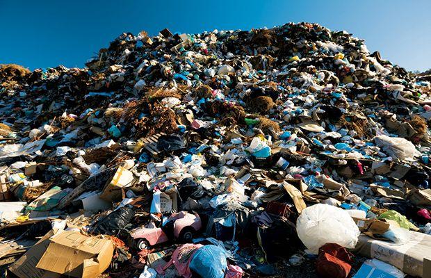 «Πνίγουν τα σκουπίδια την Κρήτη» – Έκκληση στον Υπουργό