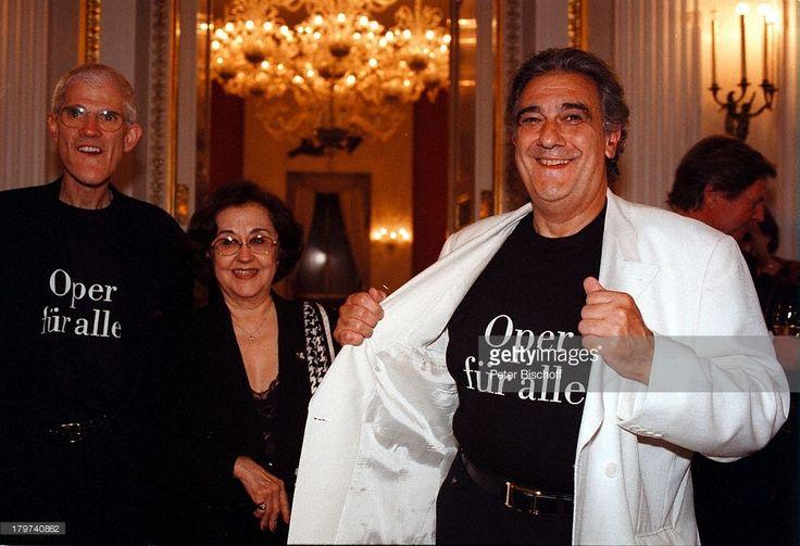 Placido Domingo mit Ehefrau Marta und;Peter Jonas, 'Die Walküre' von Richard;Wagner, 'Münchner Opern-Festspiele 98',