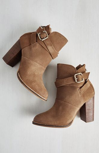 comfy brown Fall boots