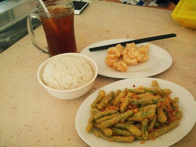 Udang Goreng Mayonaise + Buncis Cabe Garam + Nasi Putih + Es Teh Tawar at Kedai Kopi 170, Naripan, Bandung