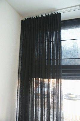 Strakke zwarte vitrage - ArkelWonen