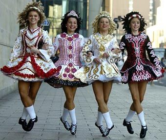 Have always thought the fashion of Irish dancers is kinda cool/ pretty