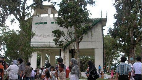 Benteng Fort de kock : Bukti peninggalan Belanda di Padang. yuk kunjungi Benteng Fort de kock ! Klik Gambar !!