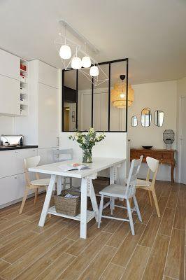 cuisine blanche, ouverte sur le salon, salle à manger, entrée, verrière atelier, suspension sinnerlig ikea, suspension ampm, console