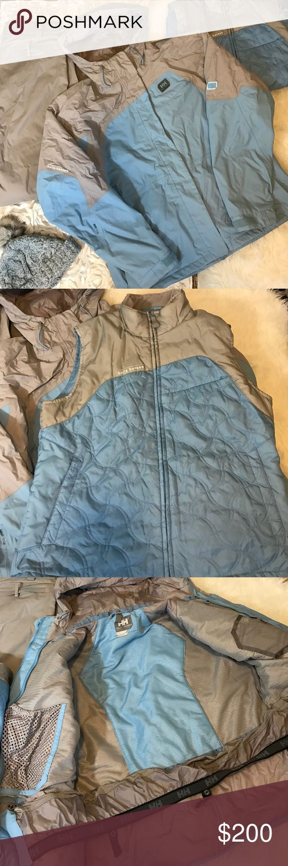 🌀HELLY HANSEN 3PC SNOWBOARDING SET🌀 Worn only few times. I'm size Small,but I used it for snowboarding and liked to feel comfortable and be able add layers. It fits S/M for better comfort. The vest is detachable. It's like new! Helly Hansen Jackets & Coats