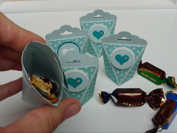 Self-closing box mini variant