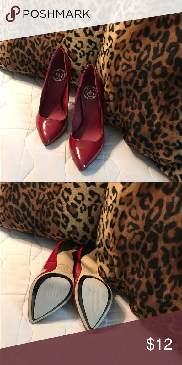Jessica Simpson Heels In very good condition Jessica Simpson Shoes Heels