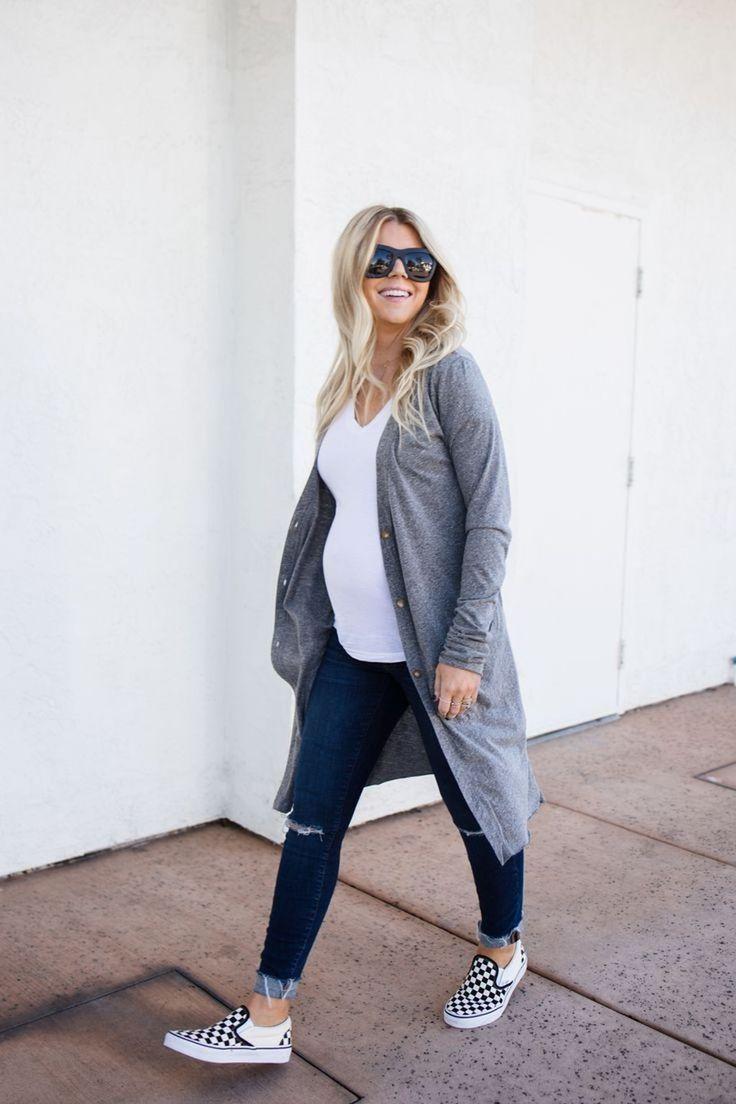 44 Lovely Maternity Winter Outfits Ideas – #Ideas #Lookfemmeenceinte #Lovely #Ma…