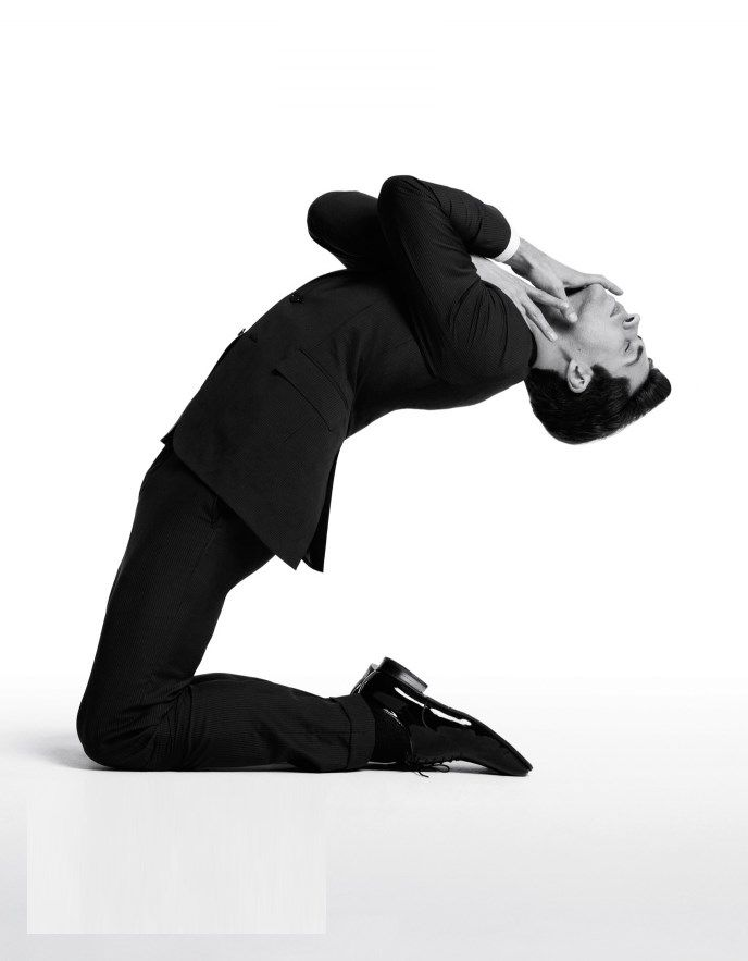 Buttoned-up Bolle: Shock fashion spread shows Roberto Bolle fully clothed » gramilano