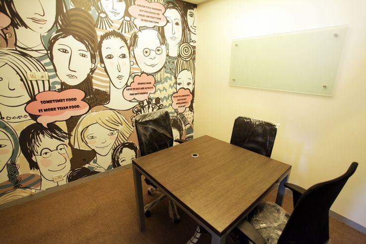 Tiny owl-Meeting room