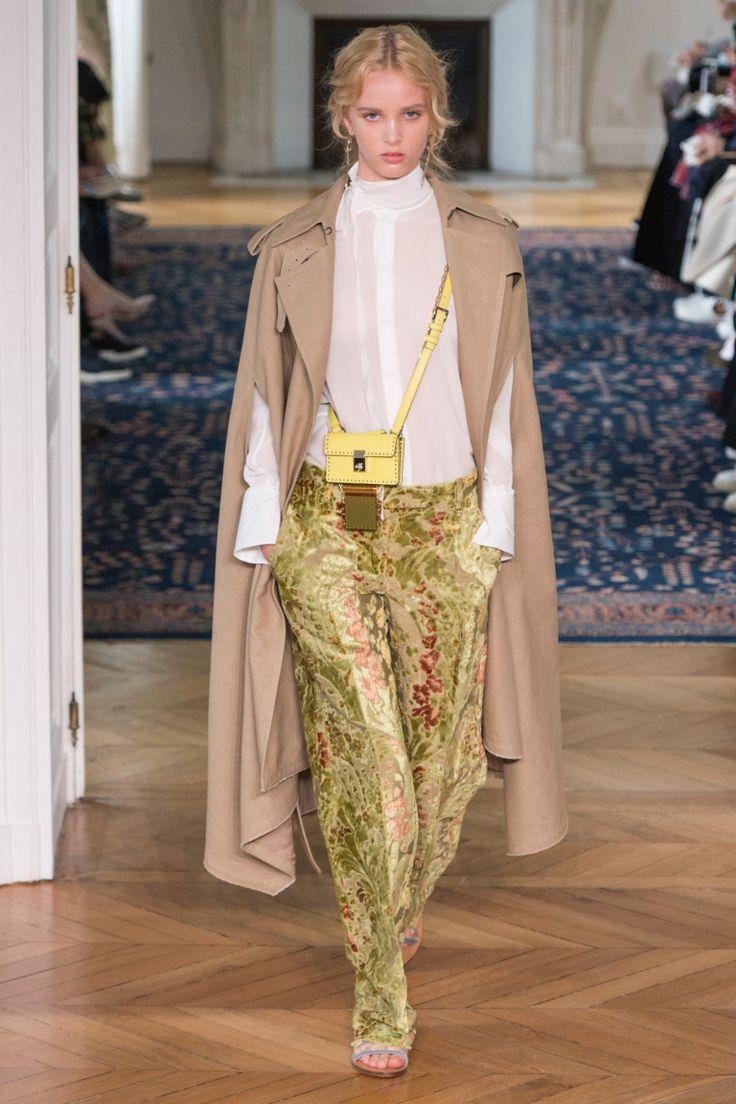 Valentino коллекция | Коллекции весна-лето 2017 | Париж | VOGUE