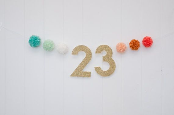 banner of the week of pregnancy. Can be reused for monthly baby pictures … or birthdays ….   – Banners