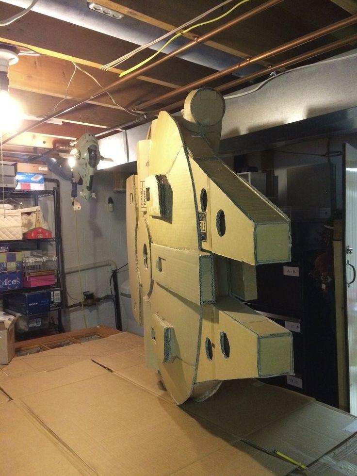 Star wars fan creates insanely detailed cardboard for Gimnasio 6 y 45
