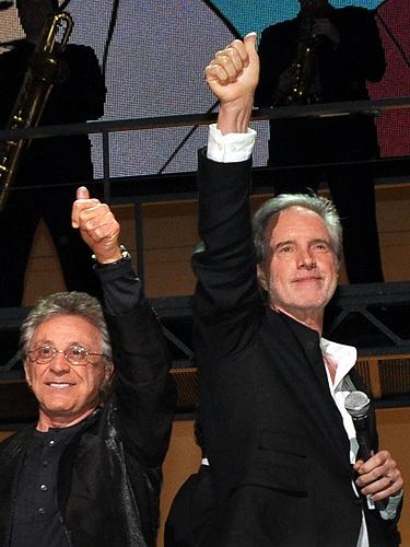 Frankie Valli and Bob Gaudio http://www.lasvegasroundtheclock.com/images/stories/Judy/04-25-10/Jersey_Boys_055.jpg