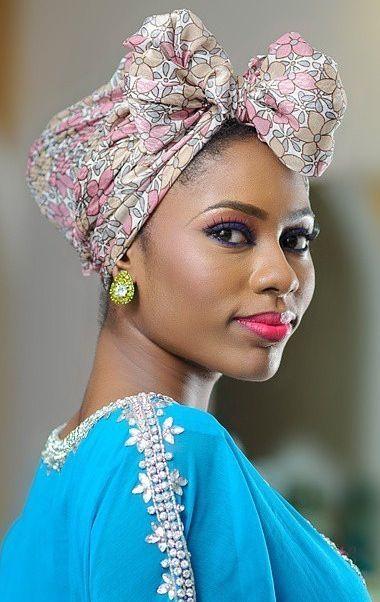 Attaché foulard gélé headwrap: