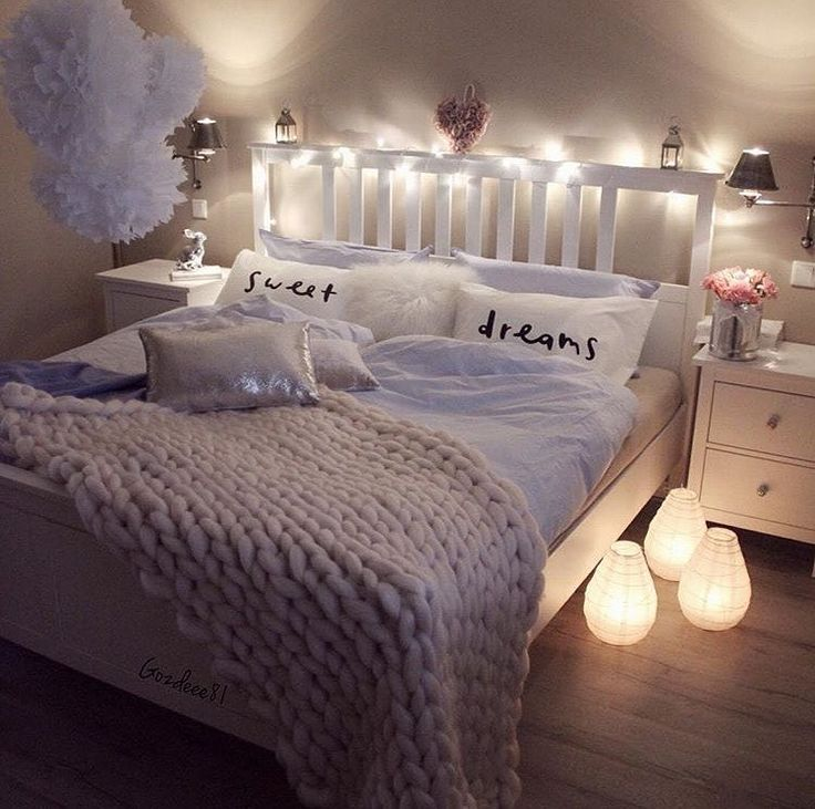 Teen S Bedroom With Feature Grey Wall And Monochrome Bed Linen: 17 Best Ideas About Teen Girl Bedding On Pinterest