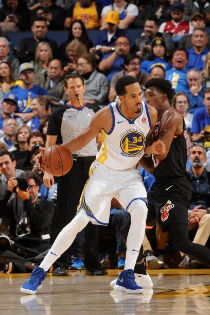 Shaun Livingston of the Golden State Warriors handles the ball against the Miami Heat on November 6 2017 at ORACLE Arena in Oakland California NOTE...
